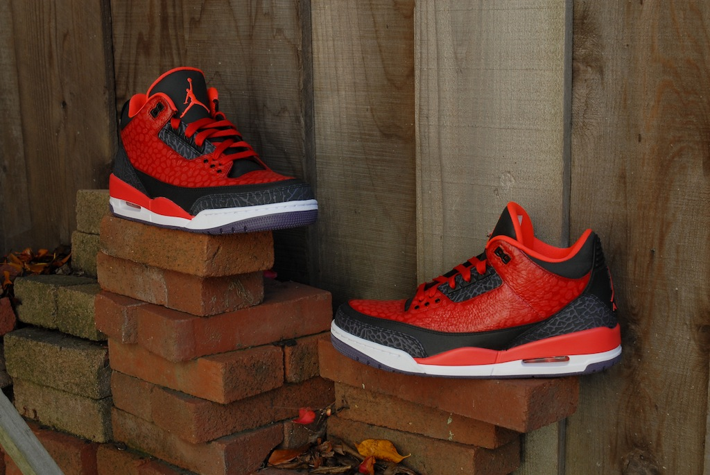 f0b8bf8d8d2 Toronto Raptors inspired Air Jordan 3 custom //